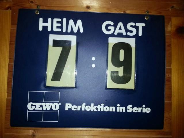 Spielstandsanzeige in Bad Höhenstadt: Der TTV hat den Favoriten auswärts mit 9:7 besiegt.