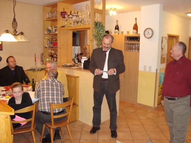 CSU-Stadtrat Karl Walch bei seinem Grußwort