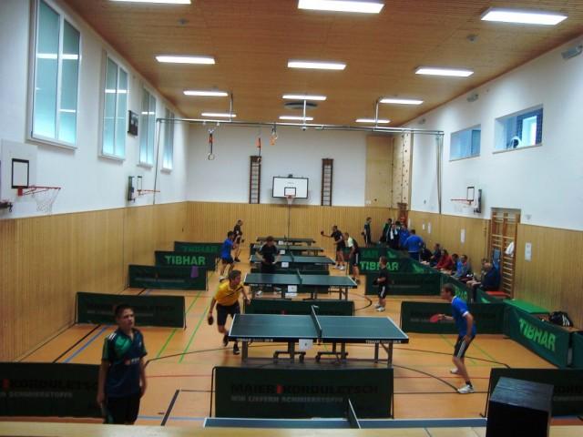 An den beiden Turniertagen konnte der TTV rund 60 Teilnehmer begrüßen.