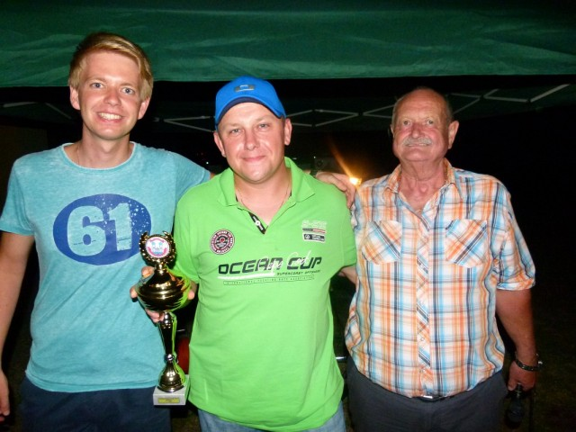 Thomas Wiener (M.) sicherte sich nach 2010 und 2013 erneut den Titel im Herren-Einzel.